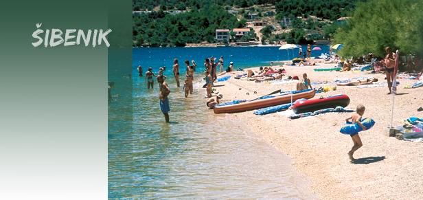 sibenska plaza Šibenik, morska destinacija za probirljive