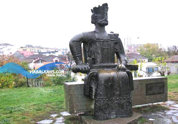 Spomenik caru Lazaru Kruševac