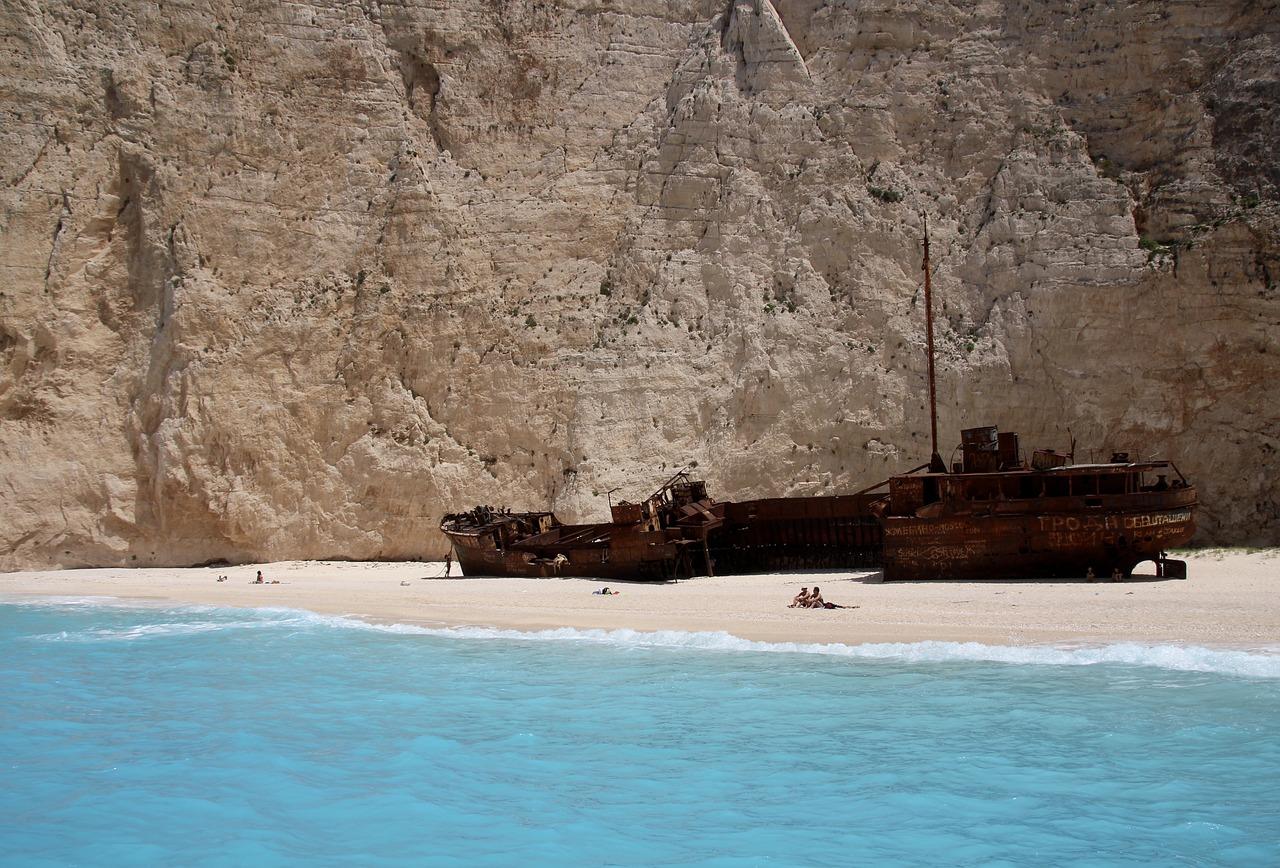zakintos-navagio-beach-shipwreck